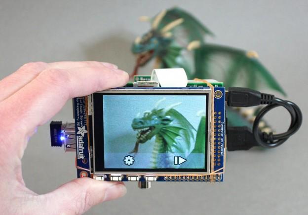 Càmera Digital amb Raspberry Pi i TouchScreen i WiFi